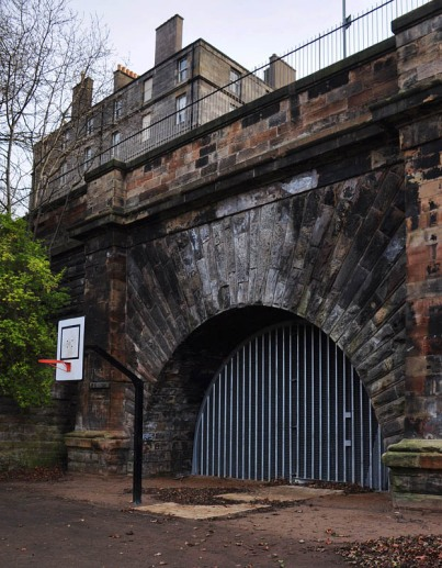 Scotland Street tunnel entrance