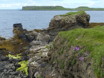 Sill and island