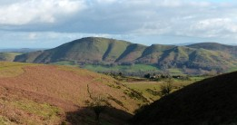 Caer Caradoc - shapes in the hillside