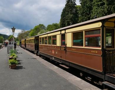 The train: Welshpool Raven Square