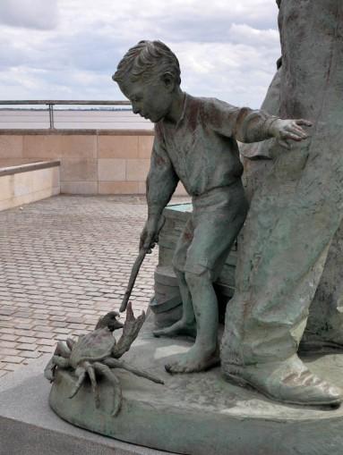 Migrant memorial