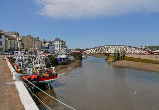 Working boats and the swing bridge