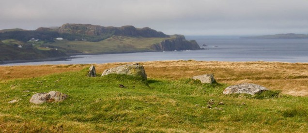 Chambered cairn and Floddigarry shoreline