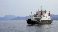 14 April 2009 - the Coruisk arrives at Armadale