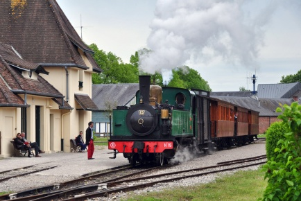St Valery Ville: no. 15 departs for Cayeux-sur-Mer