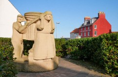 Sculpture (and the Volunteer Arms)