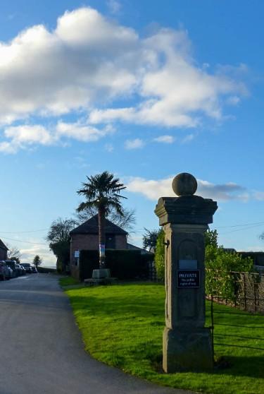 Golding gatepost